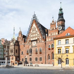 old town hall on market square in wroclaw city PDRVZLH 300x300